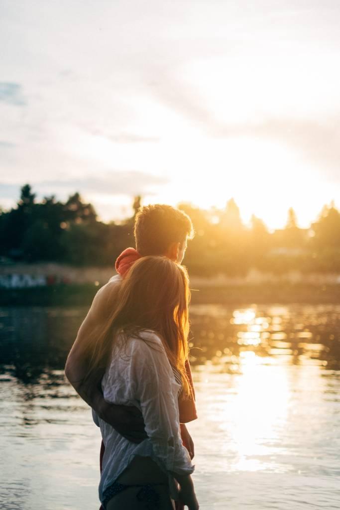 Młodzi ludzie często oczekują, żeich związkowi będzie towarzyszyć ciągle uczucie zakochania.